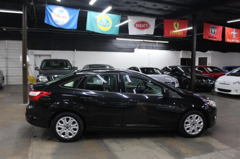 Ford Focus 2012 price $4,499 Cash