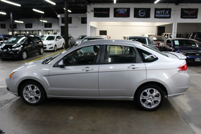 Ford Focus 2009 price $5,999 Cash