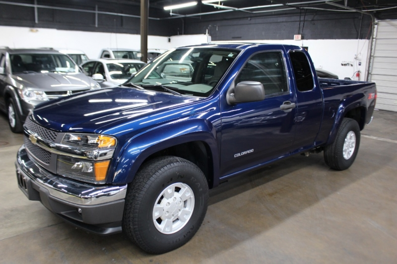 Chevrolet Colorado 2004 price $8,499 Cash
