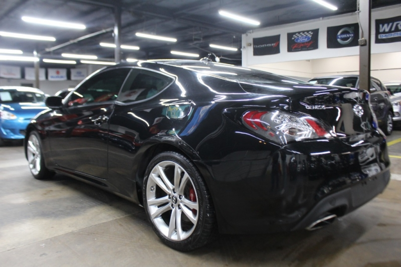 Hyundai Genesis Coupe 2012 price $8,999 Cash