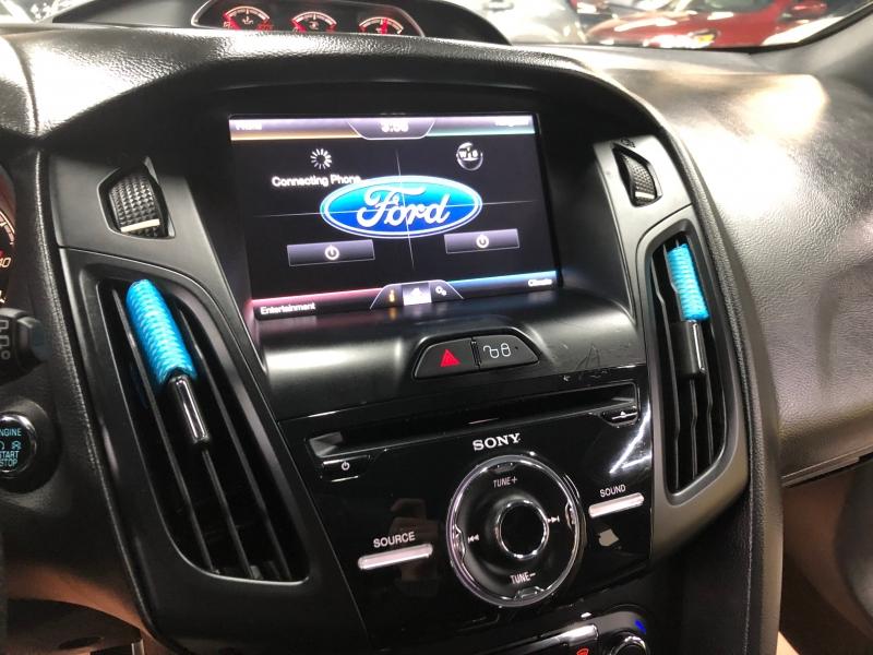 Ford Focus 2013 price $10,999 Cash