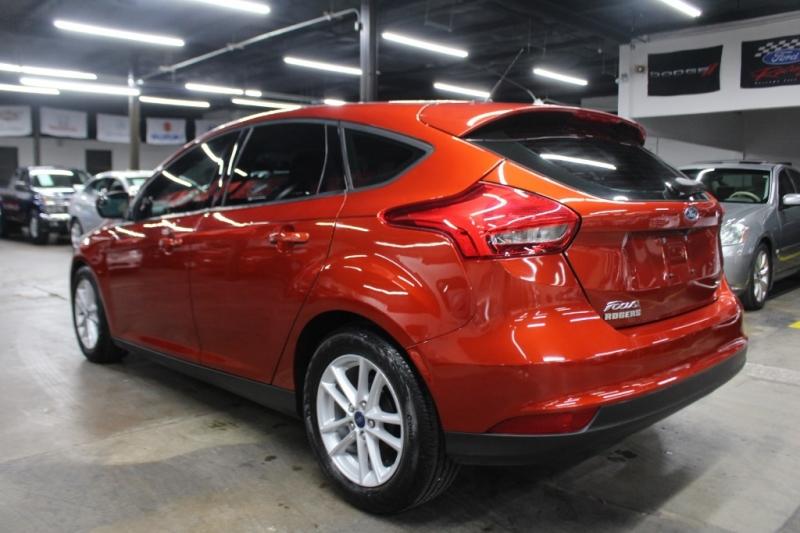 Ford Focus 2018 price $9,999 Cash