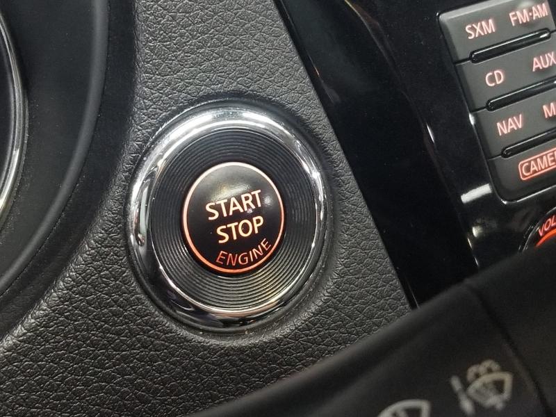 Nissan Rogue 2017 price $16,999 Cash