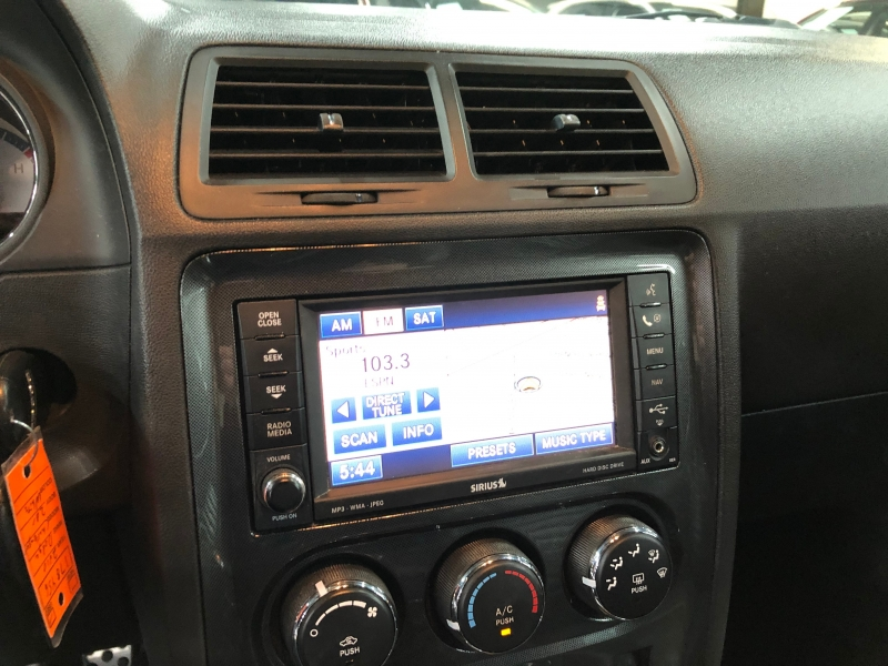Dodge Challenger 2010 price $10,999 Cash