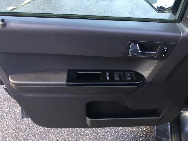 Ford Escape 2008 price $7,550
