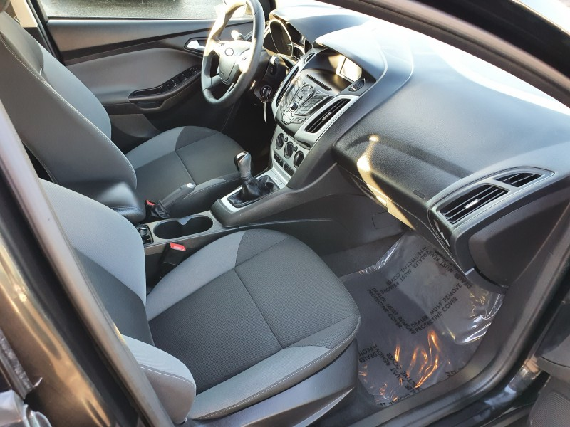 Ford Focus 2013 price $7,550