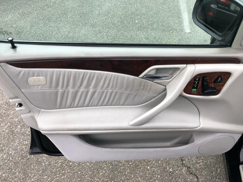 Mercedes-Benz E-Class 2000 price $2,550