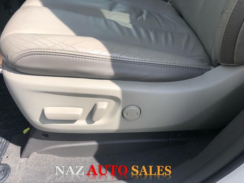 Toyota Sienna 2011 price $15,950