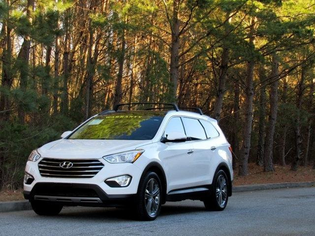 Hyundai Santa Fe 2015 price $19,907