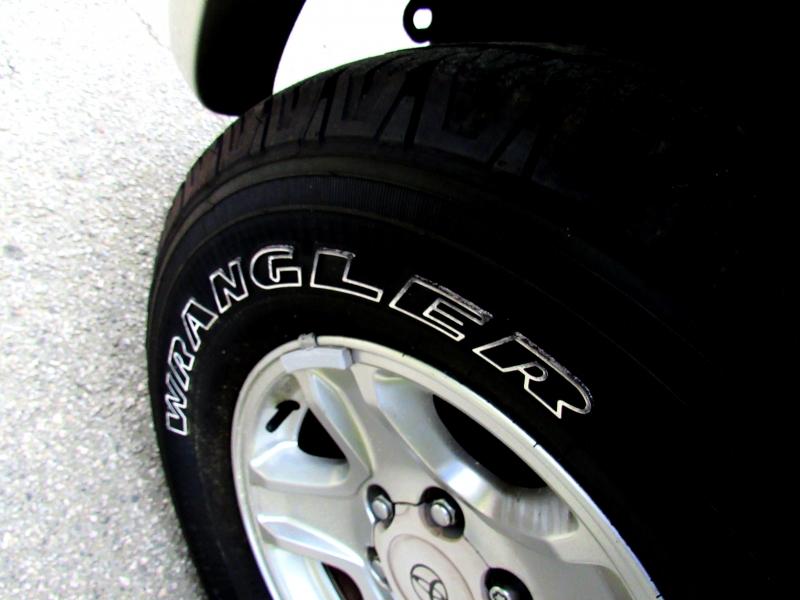 Toyota 4Runner 2002 price $7,907