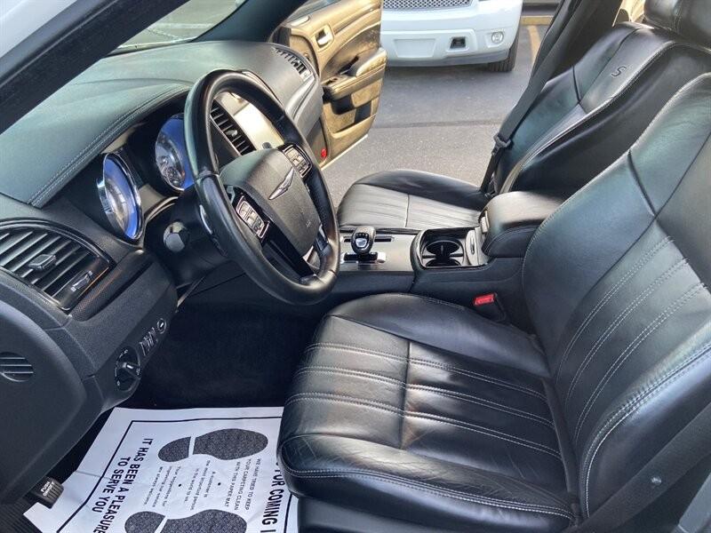 Chrysler 300 Series 2013 price $13,900