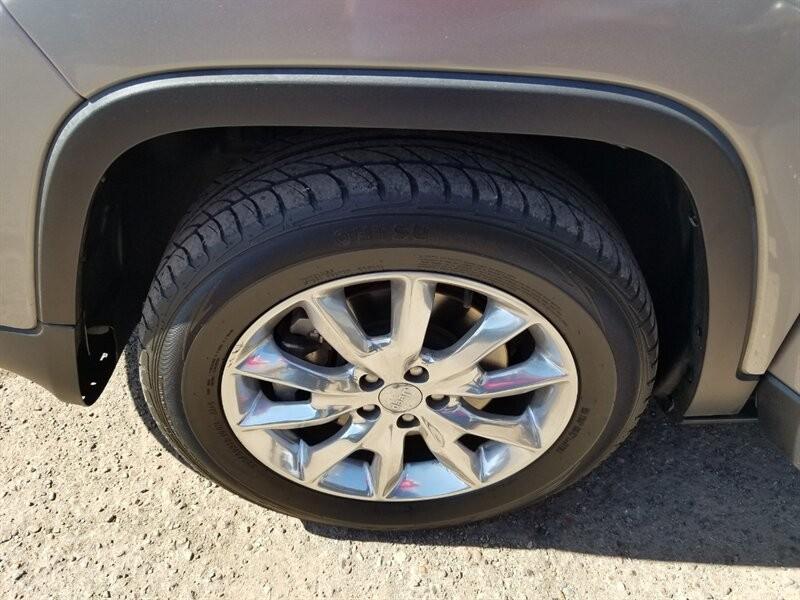 Jeep Cherokee 2016 price $17,000