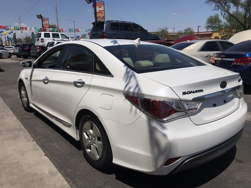 Hyundai Sonata 2011 price $8,450