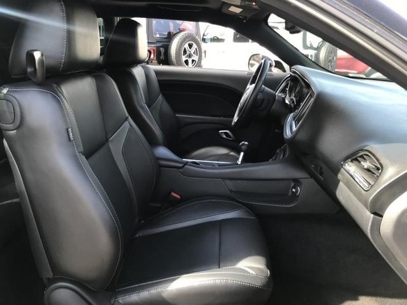 Dodge Challenger 2016 price $26,750