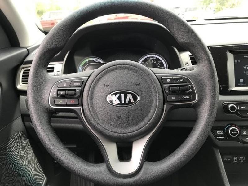 Kia Niro 2019 price Call for Pricing.
