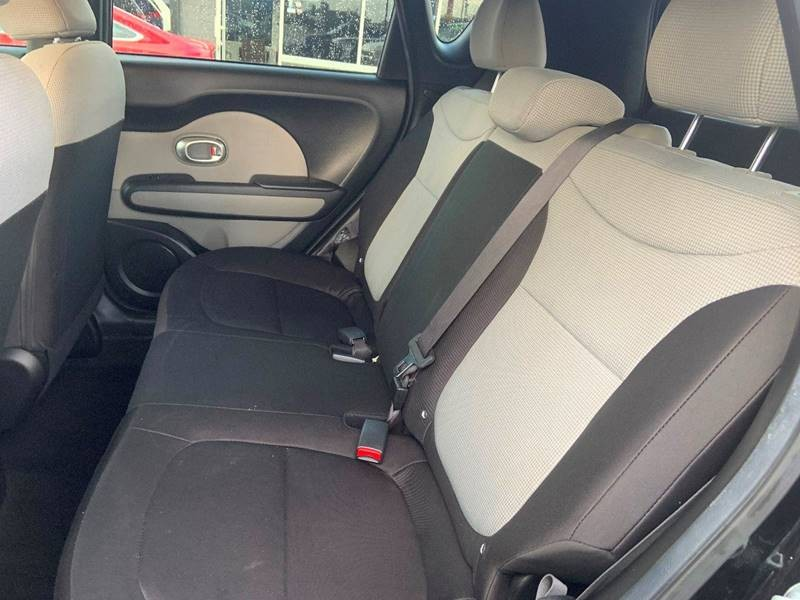Kia Soul 2015 price $9,495