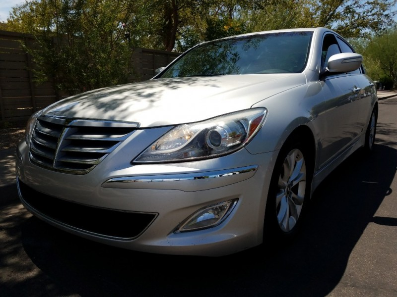 2012 hyundai genesis 4dr sdn v6 3 8l top of the line alta vista used cars for sale by. Black Bedroom Furniture Sets. Home Design Ideas
