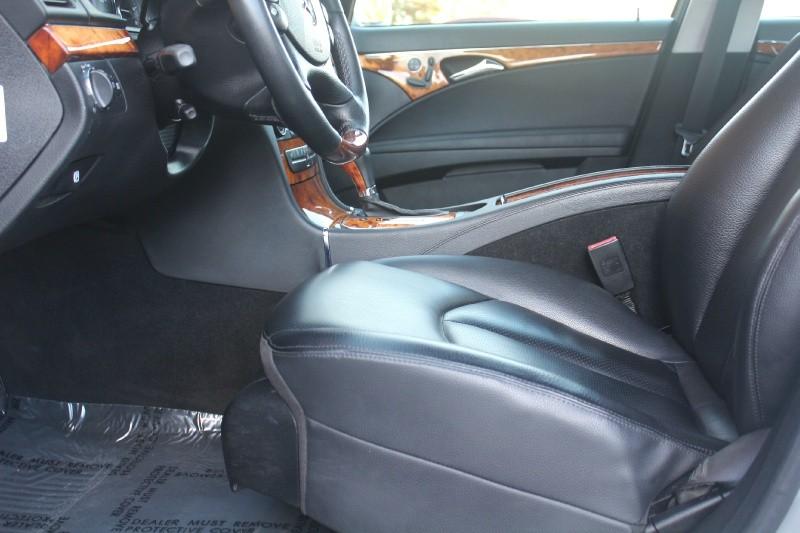 Mercedes-Benz E-Class 2008 price $9,987
