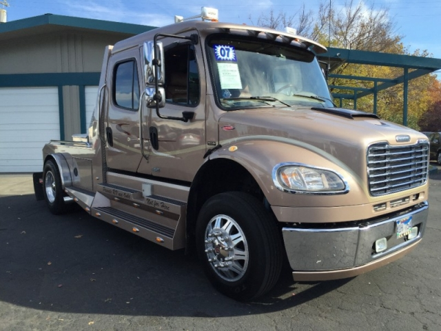 2007 Freightliner Sport Chassis