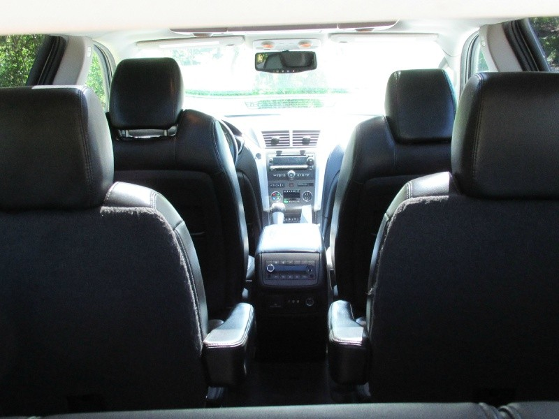Chevrolet Traverse 2011 price $8,995