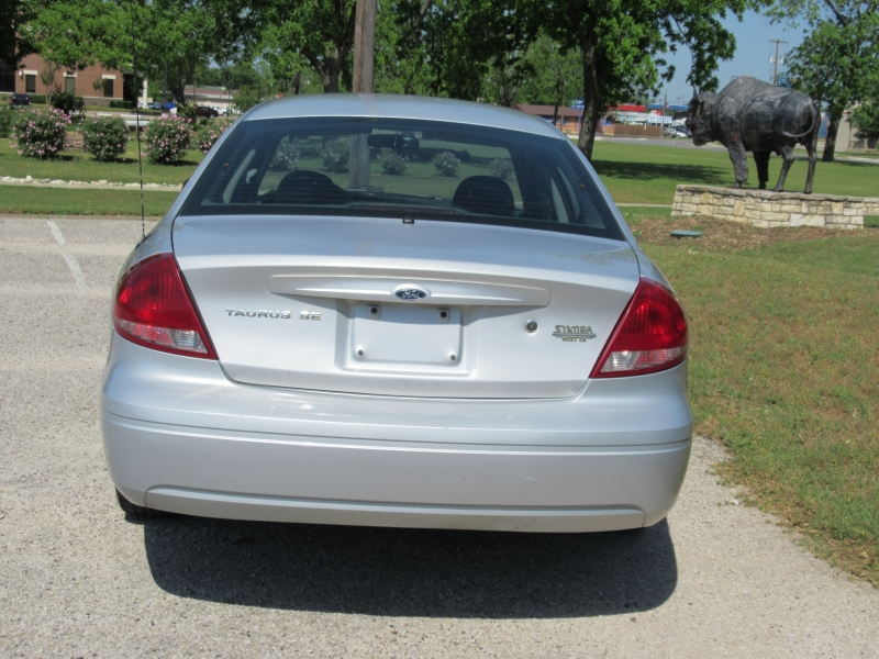 Ford Taurus 2007 price $2,995