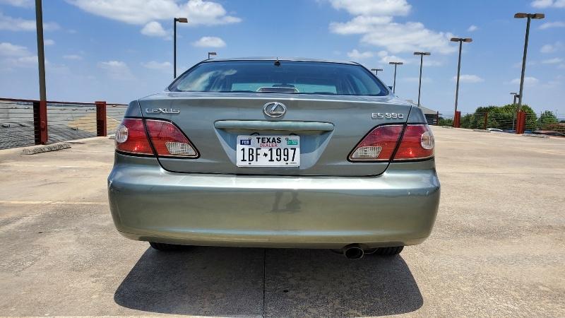 Lexus ES 330 2004 price $3,950 Cash