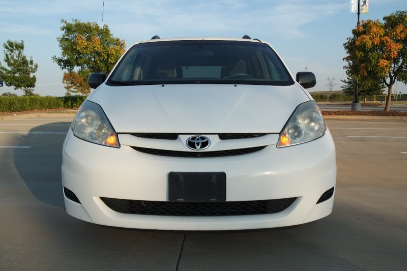 Toyota Sienna 2007 price $3,950