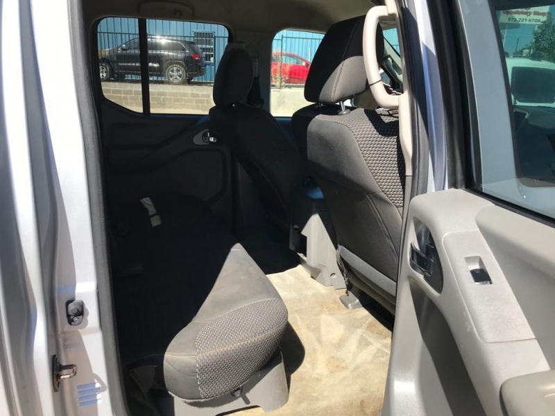 Nissan Frontier 2016 price $14,950