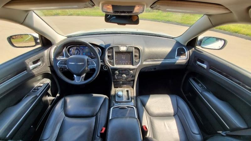 Chrysler 300 2016 price $18,950