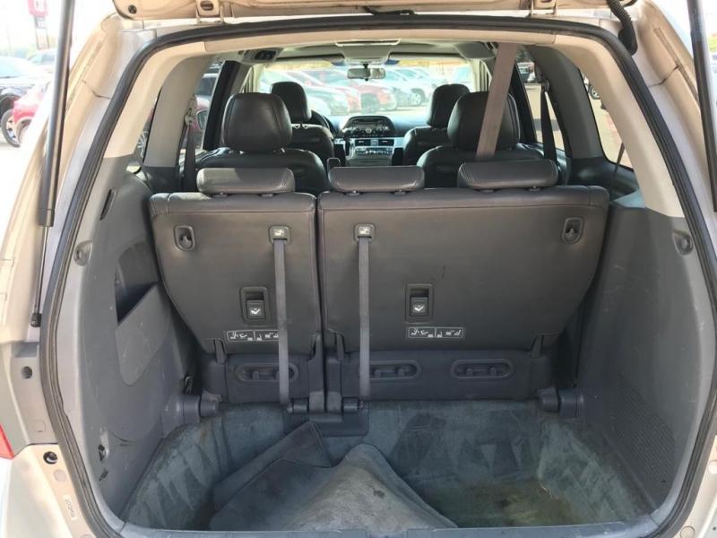 Honda Odyssey 2005 price $2,350