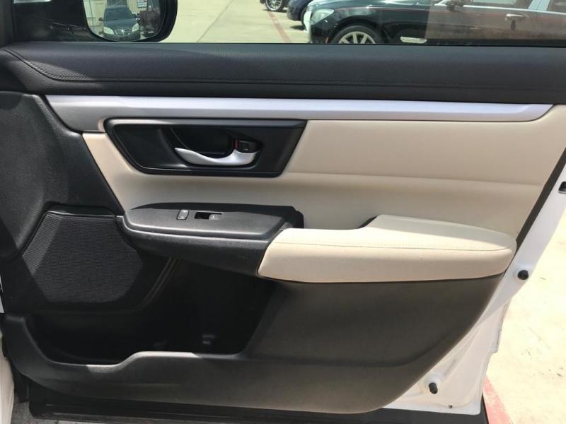 Honda CR-V 2017 price $18,500
