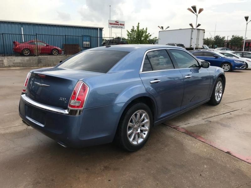 Chrysler 300-Series 2011 price $13,500