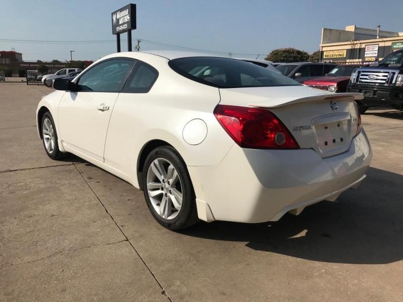 Nissan Altima 2012 price $10,500
