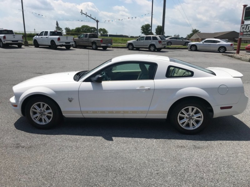 Ford Mustang 2009 price $6,200