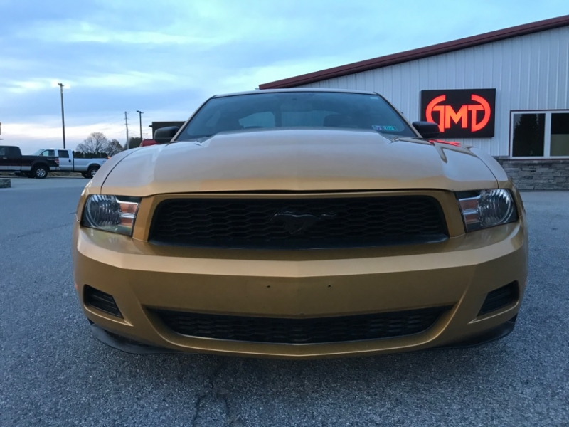 Ford Mustang 2010 price $7,700