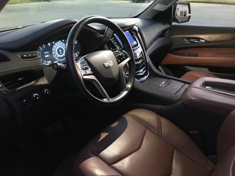 Cadillac Escalade ESV 2016 price $46,499