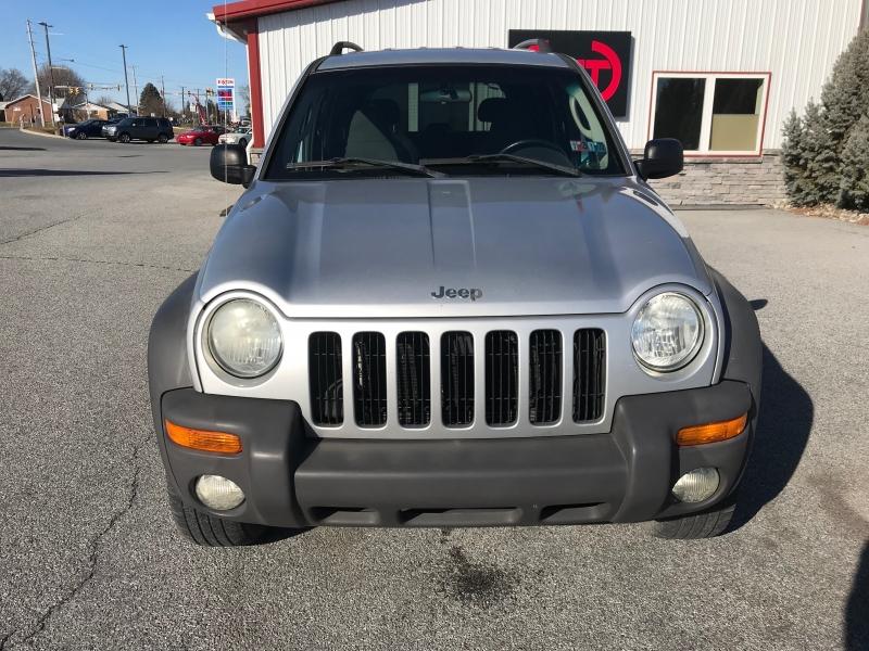 Jeep Liberty 2004 price $4,300