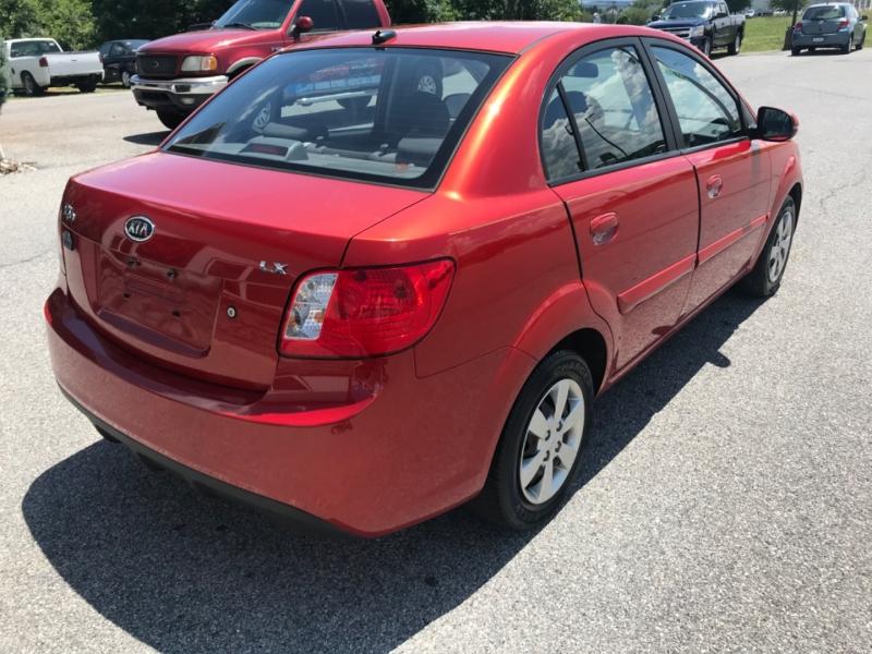 Kia Rio 2011 price $5,200