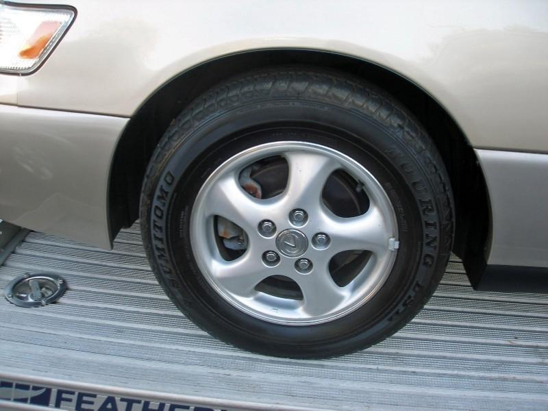 Lexus ES 300 1999 price $2,500
