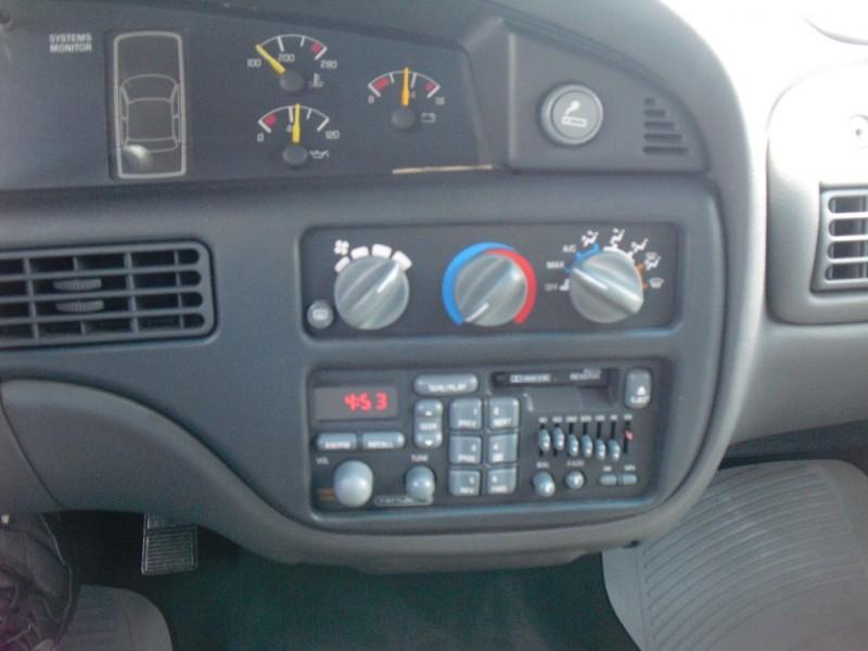 Pontiac Bonneville 1998 price $2,999