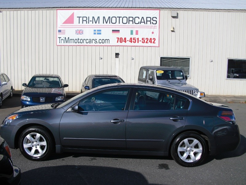 Nissan Altima 2009 price $6,999