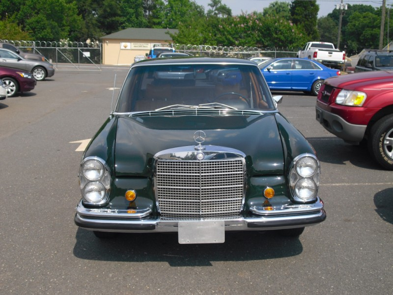Mercedes-Benz 280 SE 1969 price $19,900