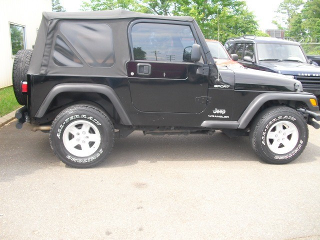 Jeep Wrangler 4.0 6CYL. 2005 price $12,900