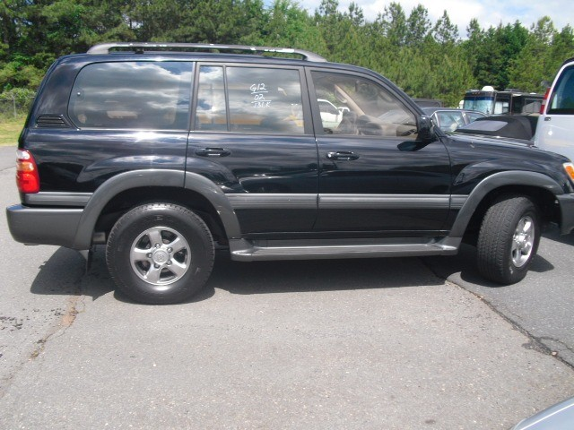 Toyota Land Cruiser 2002 price