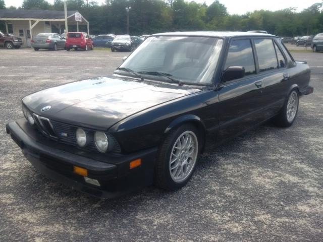 1988 BMW 5 Series E28 M5