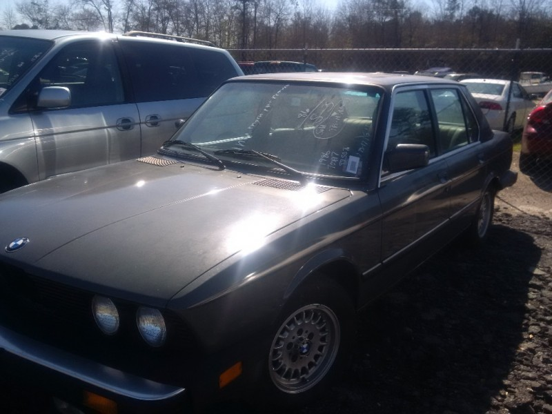 BMW 5-Series 1986 price $3,200