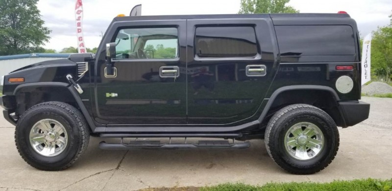 Hummer H2 2003 price $10,980