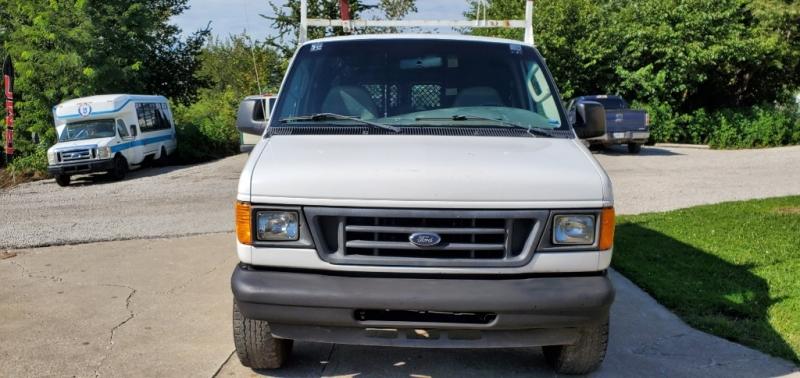 Ford Econoline Cargo Van 2006 price $2,800