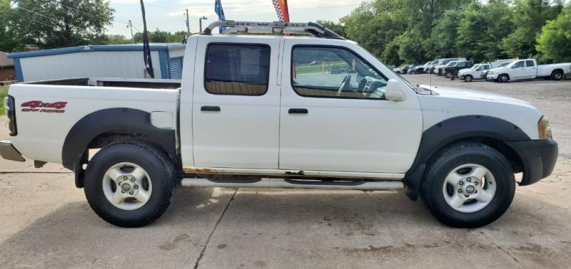 Nissan Frontier 2001 price $2,000