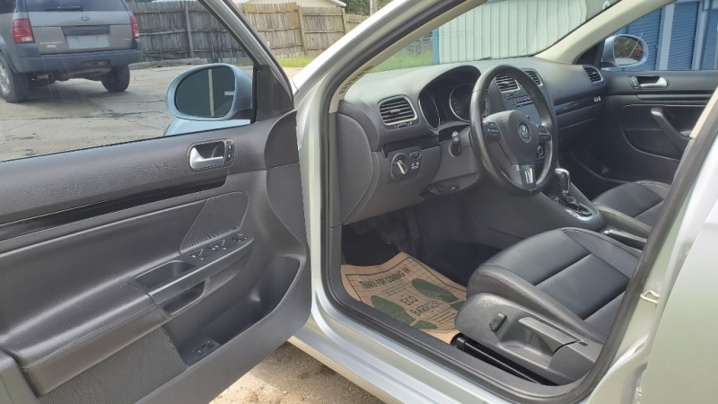 Volkswagen Jetta Wagon 2012 price $8,350